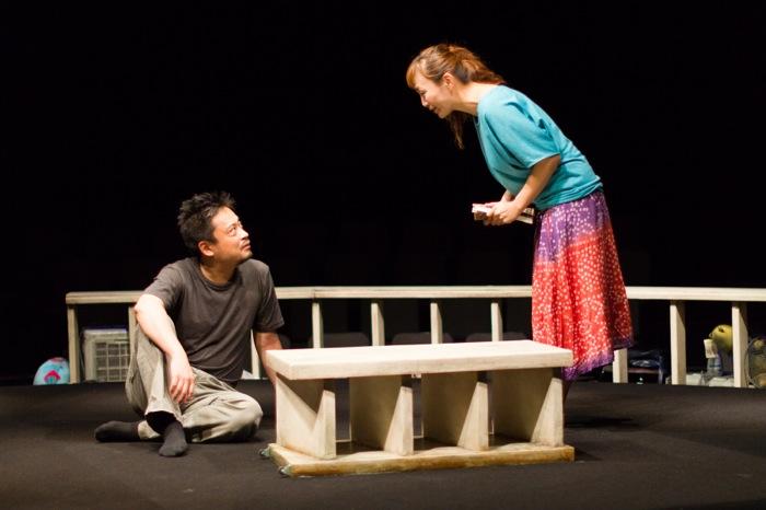 KAKUTA『痕跡〈あとあと〉』(写真は東京公演・青山円形劇場)撮影=相川博昭