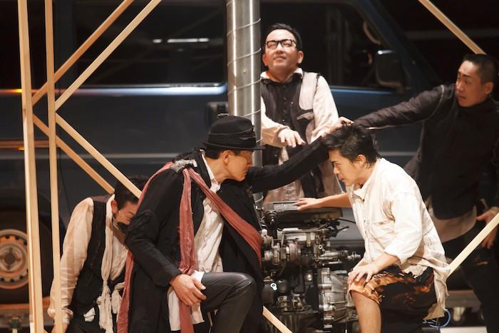 東京芸術劇場『小指の思い出』撮影:園田昭彦