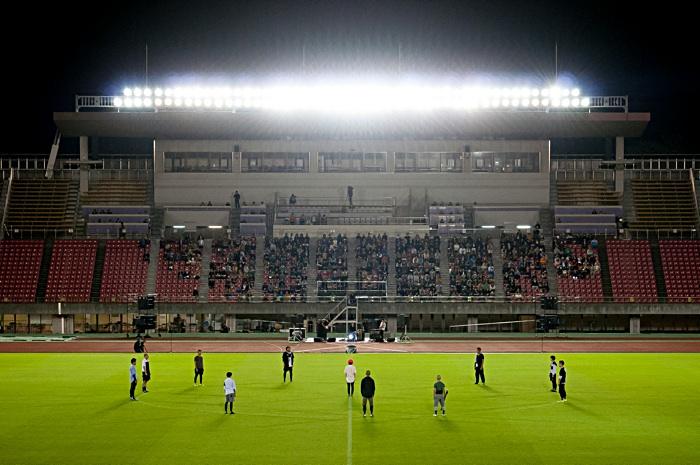 contact Gonzo『xapaxnannan(ザパックス・ナンナン):私たちの未来のスポーツ』 2014年10月15日、西京極スタジアム 撮影=井上嘉和