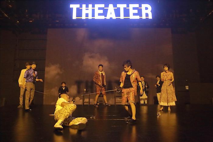 KUNIO11『ハムレット』 演出・美術=杉原邦生、訳=桑山智成 2014年8月、あうるすぽっと 撮影=清水俊洋