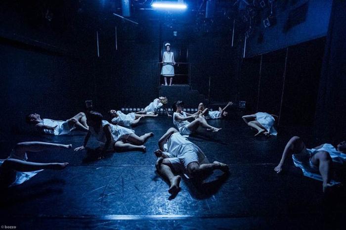 水中めがね∞ダンス部『既に溢れている』 演出・振付=中川絢音 2015年8月、上野ストアハウス