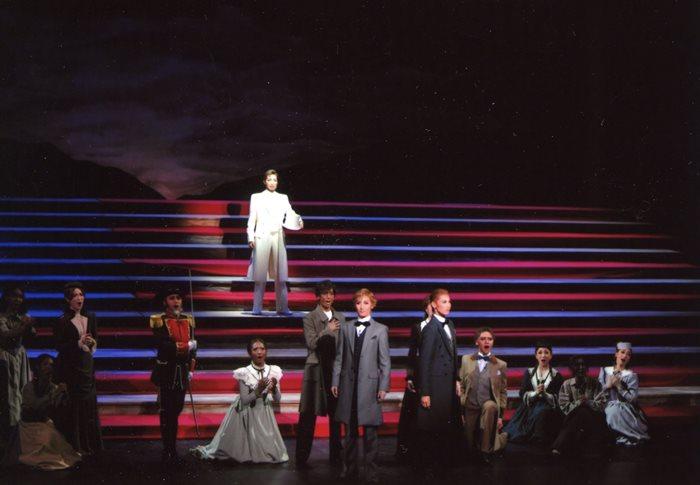 星条旗の大階段 中央はリンカーンの轟悠
