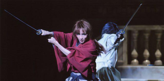 宝塚の男役が今の日本を語っている。「逆刃刀(さかばとう)は不殺の誓い」--宝塚歌劇雪組『るろうに剣心」』/天野道映