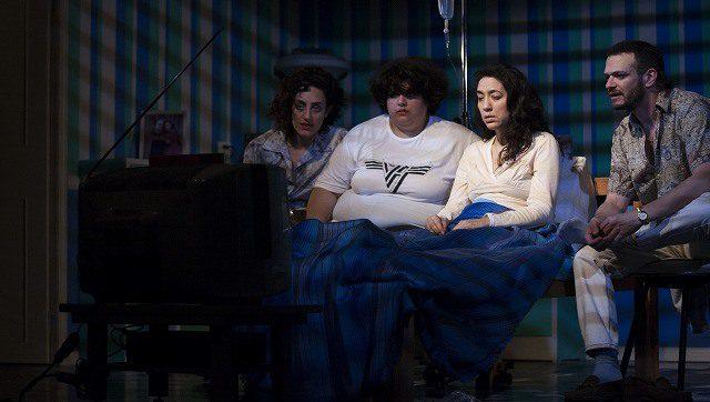 ブエノスアイレス(アルゼンチン)の現代演劇事情と個の強い小(ミクロ)詩学の一例/仮屋浩子